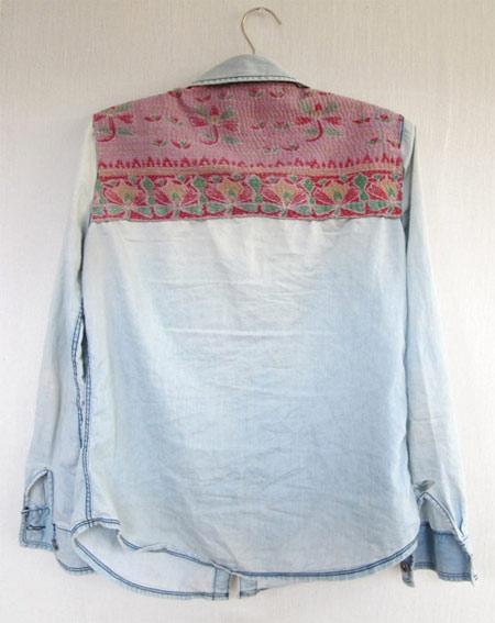 customização de camisa jeans com tecido nas costas