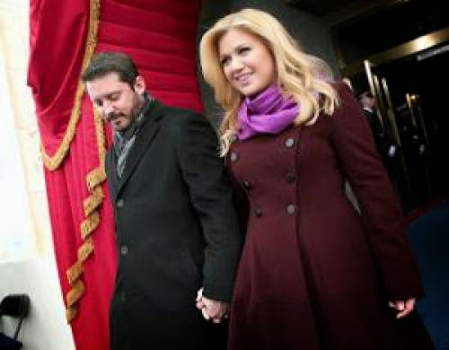 Kelly Clarkson Marriage On The Rocks