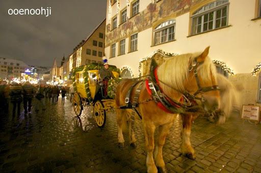 ニュルンベルクを走る馬車