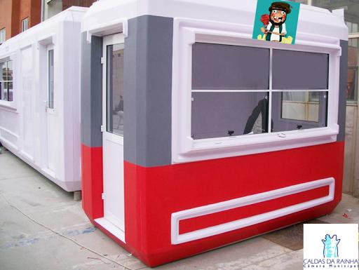 Imagem do novo equipamento que responde a duas necessidades das Caldas: Atendimento turístico e higiene