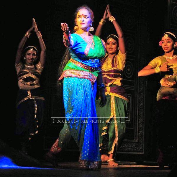 Actress-dancer Shalu Menon's dance play Droupadi wows the crowd in Thiruvananthapuram.