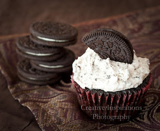 vegan oreo cookie cupcake