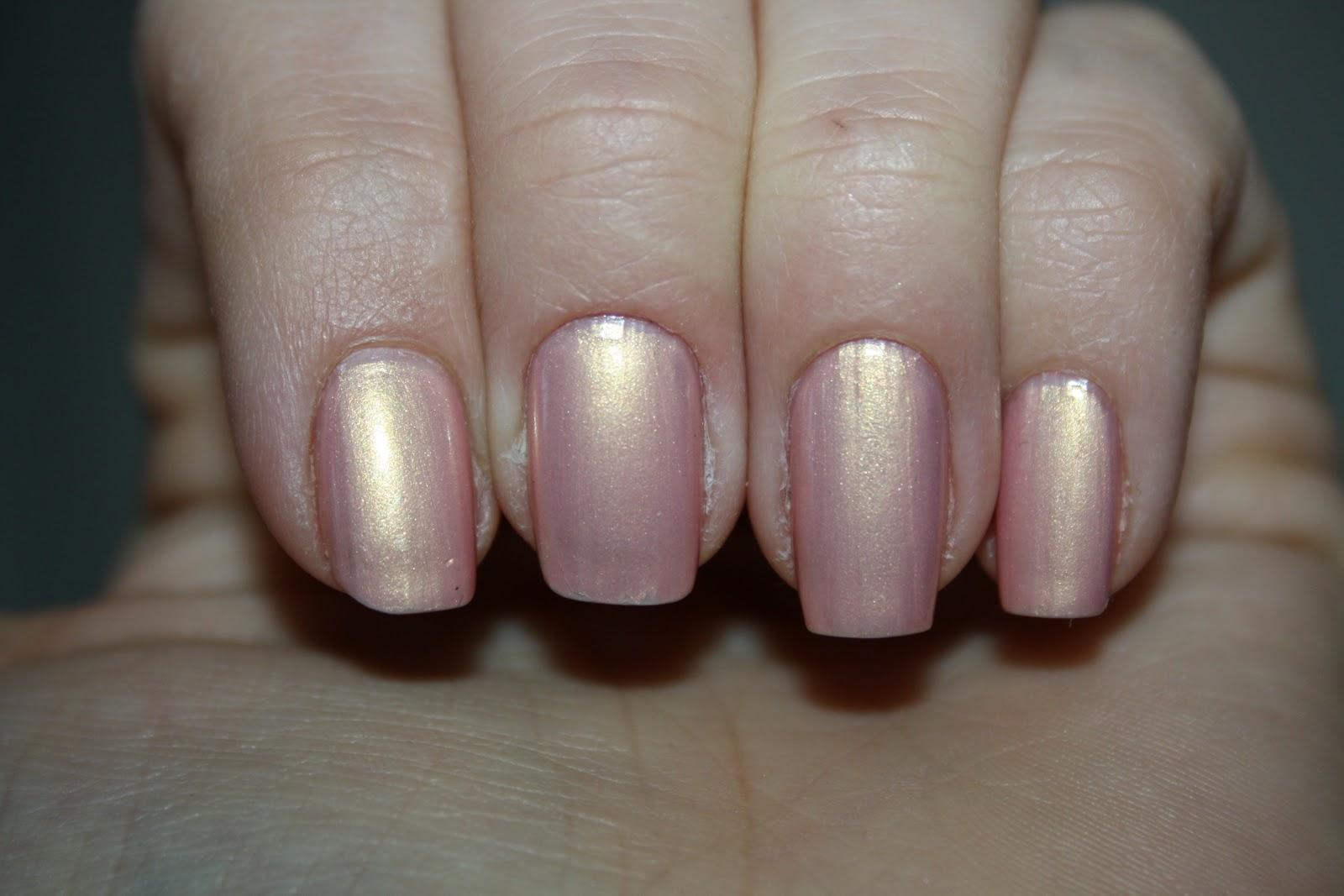 räfflade naglar