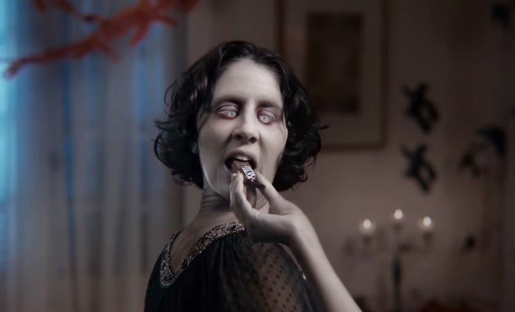 "New SNICKERS ""Twisted"" Halloween Commercial is Frightfully Awesome"