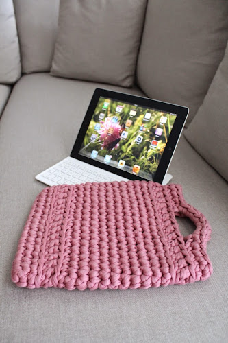 Not 2 late to craft: Funda de ganxet trapillo per l'iPad / XXL crochet iPad sleeve