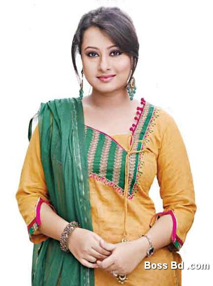 Bangladeshi Celebrity Pictures Corner Actress Shabnur In Bangladesh ...