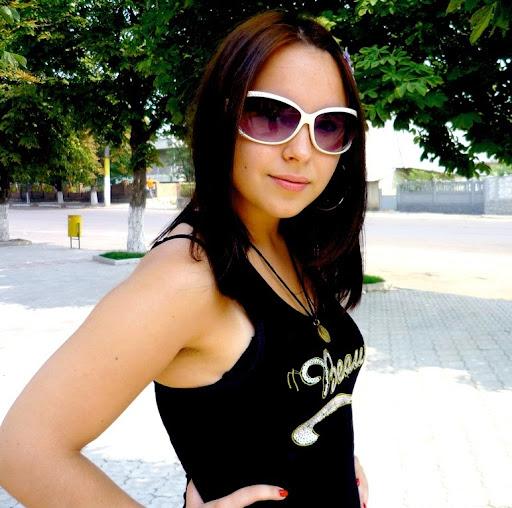 Cristina Nistor Photo 22