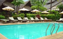สระว่ายน้ำ ของ ที่พักเกาะช้าง ที่ โรงแรมบ้านปู รีสอร์ท