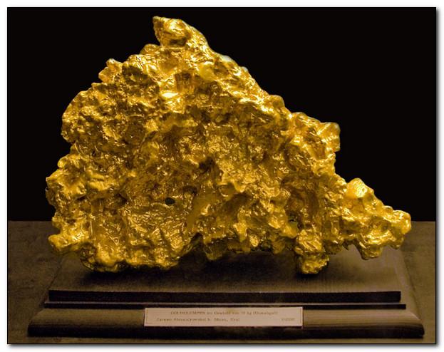 Золото - металл за который человек готов платит жизнью