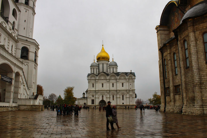 Moscow Kremlin courtyard cathedrals