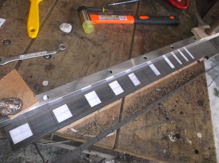 Construção inspirada Les Paul Custom, meu 1º projeto com braço colado (finalizado e com áudio) - Página 2 DSCF1008