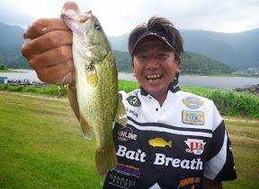 33位(ブービー賞):井上泰徳プロ(1本 220g)