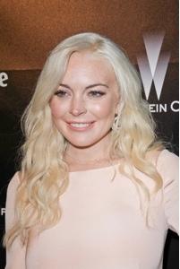 Lindsay Lohan To Play Elizabeth Taylor