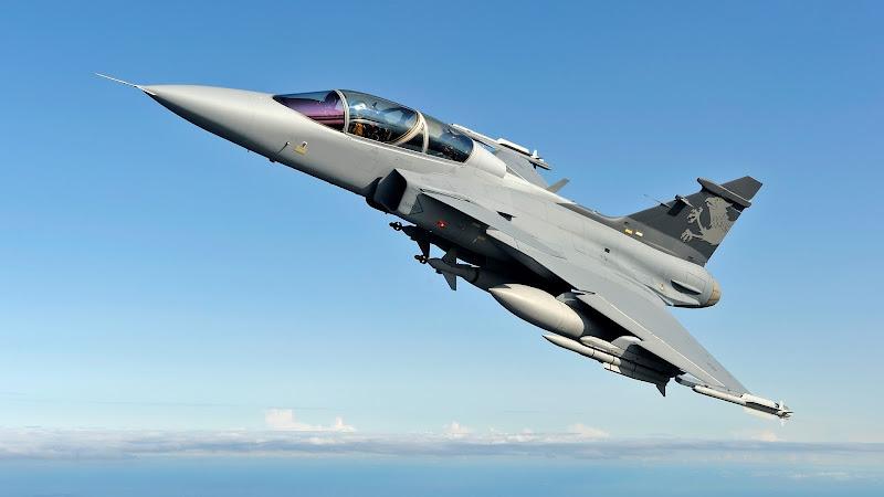 Para Brasileiros caça sueco Gripen é melhor que Rafale e F/A