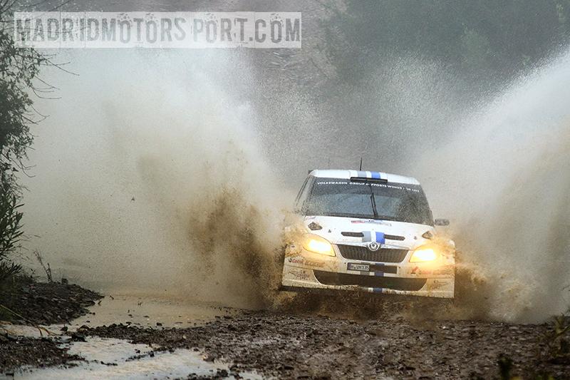 WRC Portugal 2012 S%25C3%25A9bastien-Ogier-y-Julien-Ingrassia_Skoda-Fabia-S2000