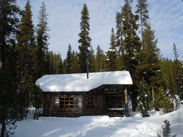 Maiden Peak Cabin