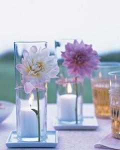 Ejemplos de centros de mesa con flores y vasos portal de - Centros decorativos para mesas ...