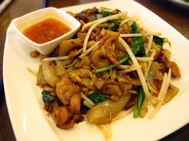 泰式雞肉炒粄條 NT 90元-泰僑村台中泰式料理