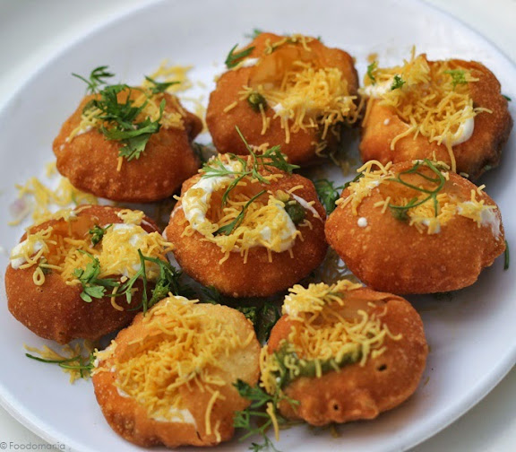 Dahi Puri recipe by foodomania.com