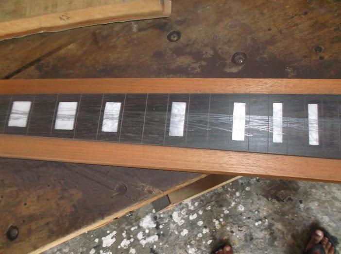 Construção inspirada Les Paul Custom, meu 1º projeto com braço colado (finalizado e com áudio) - Página 2 DSCF1013