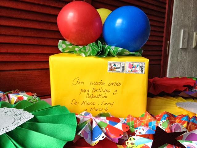 Detalles para mi novia en su cuarto con globos y fotos for Detalles para decorar mi cuarto