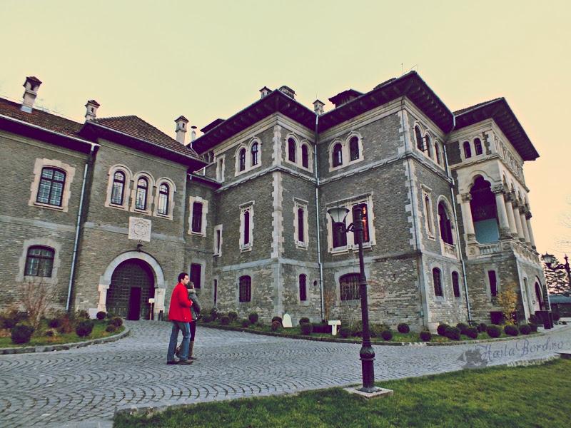 castelul cantacuzino busteni toamna