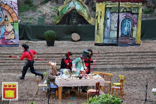 Alice in Wonderland, door Het Overloons Toneel 02-06-2012 (51).JPG