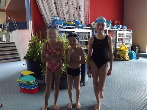 Magarete, Alexander und Johanna - sie vertraten unsere Schule engagiert beim Nikolausschwimmfest
