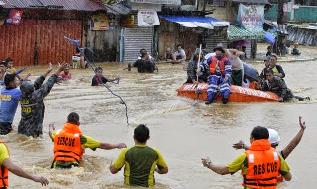 Mario Causes Flooding in Metro Manila with Pictures 20-09-2014-23