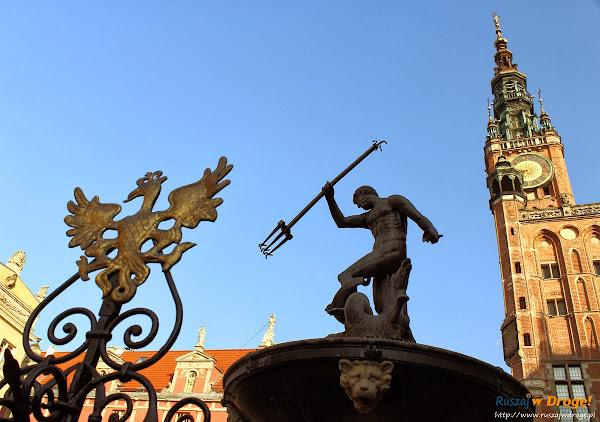 Fontanna Neptuna w Gdańsku w trakcie dnia