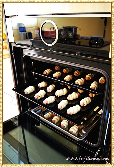 how to cook sausages in the mini oven