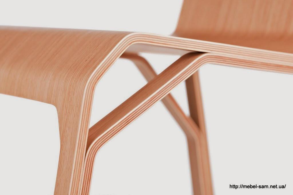 Все детали стула выполненны из гнутоклеенной фанеры