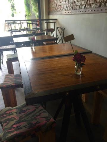 Sunday Market - Tables