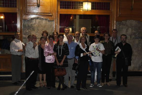 Grupo de poetas de Alaire en el Café Gijón de Madrid