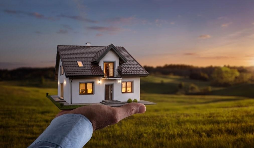 lebih baik investasi rumah atau apartemen