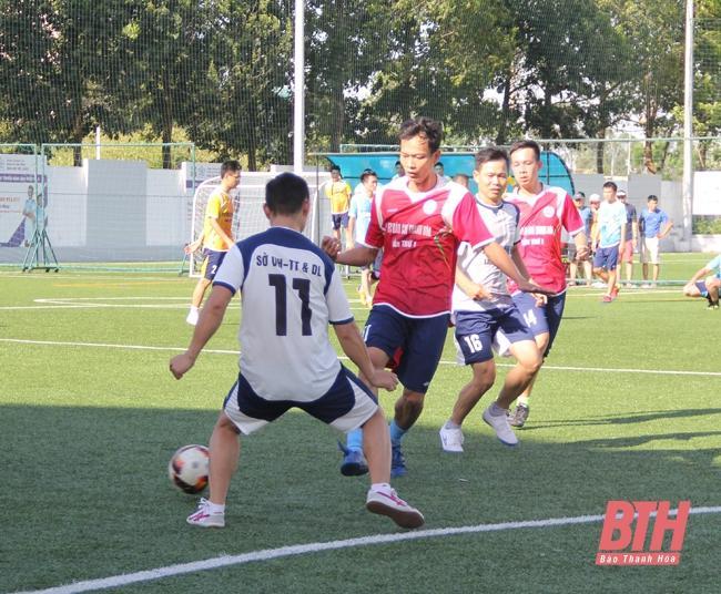 Sôi nổi Giải bóng đá tứ hùng tranh cúp FC Báo chí Thanh Hóa