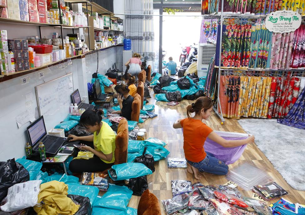Lý giải sức hút của thương hiệu  thời trang, mỹ phẩm Shop Trung Tín - Ảnh 5