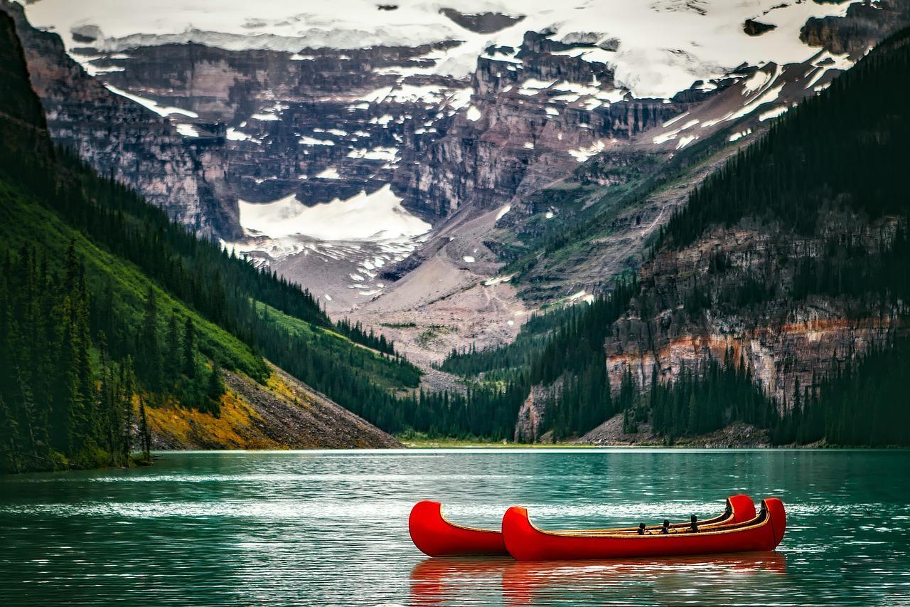 Obraz zawierający woda,góra,zewnętrzne,przyroda Opis Wywany automatycznie公司