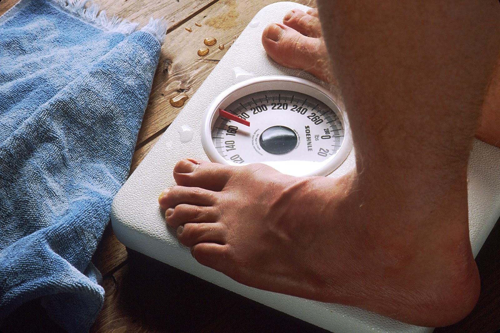 Feet_on_scale.jpg
