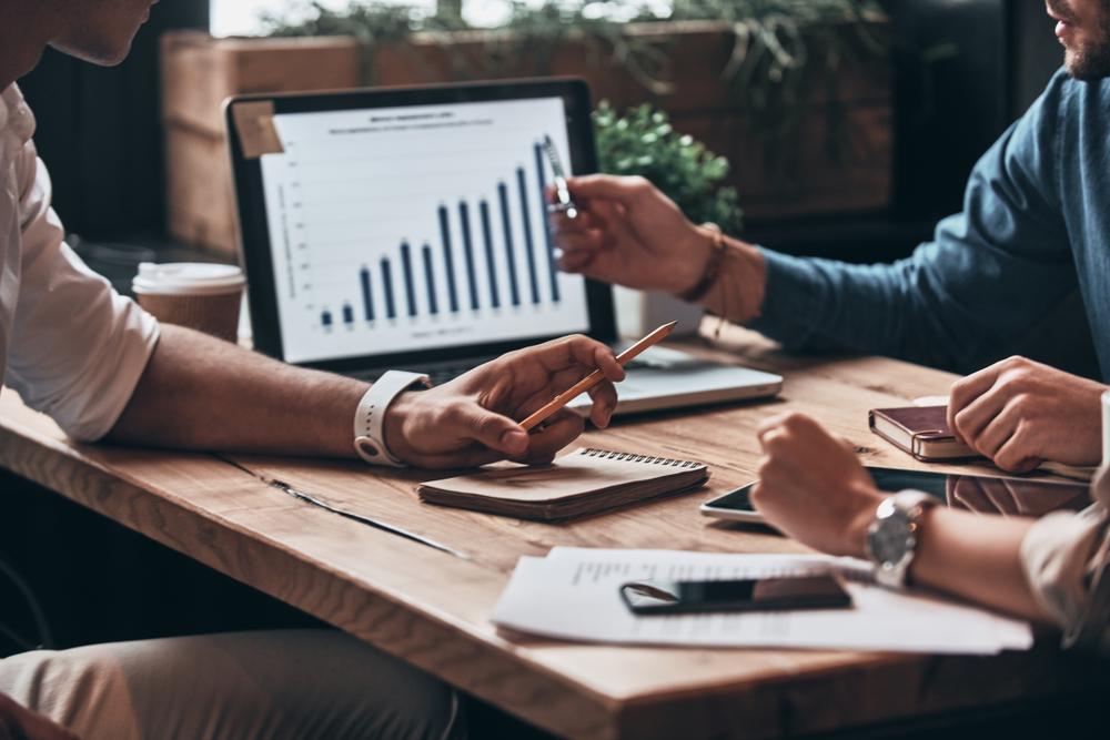 Não existe modalidade melhor: a demanda de carreira é que indicará qual é a melhor opção. (Fonte: G-Stock Studio/Shutterstock)