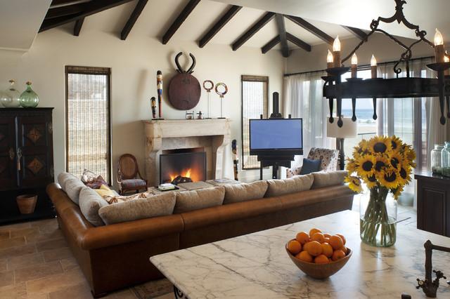 Desain mediteranian dapat dikombinasikan dengan beragam unsur mulai dari kayu, batu, logam, hingga kain - source: williesbrewnquethehill.com