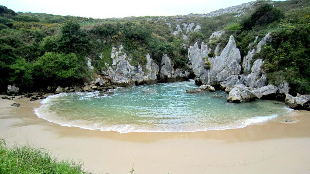 educacion-docente-playas-perdidas-en-españa-playa-de-gulpiyuri