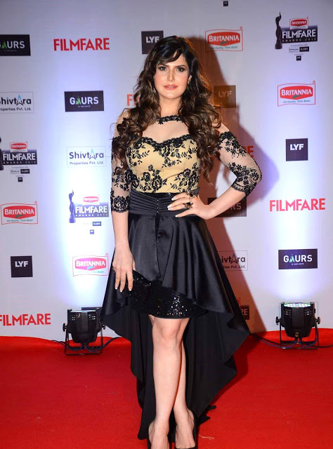 Zarine Khan Looks Beautyfull Black Robe At Filmfare Awards