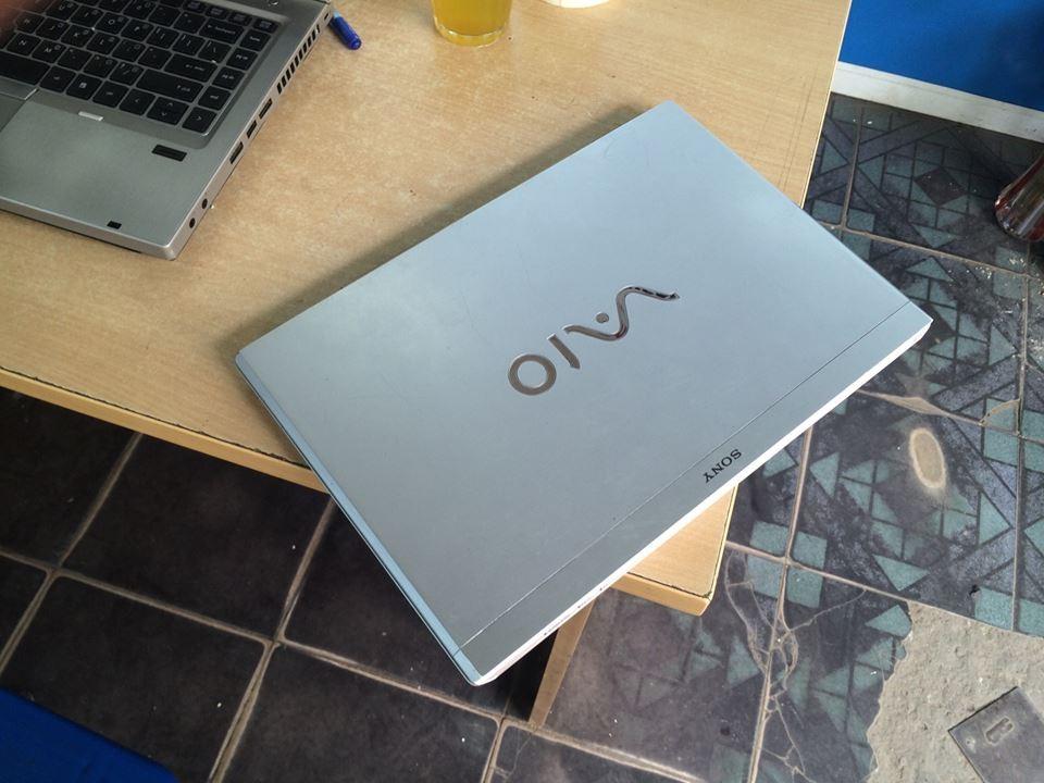 vo-laptop-sony-vaio-2