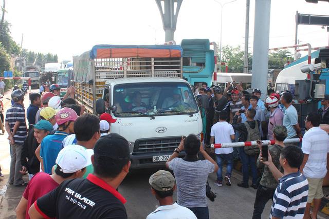 Cảnh hỗn loạn tại trạm thu phí BOT tuyến tránh Biên Hòa ngày 5/10