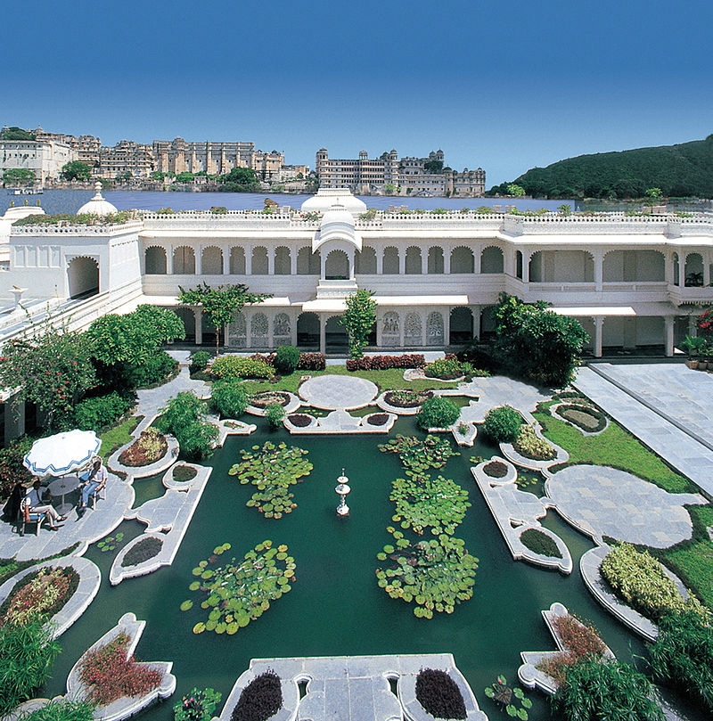 800px-Lily_Pond_at_the_Lake_Palace%2C_Udaipur.jpg