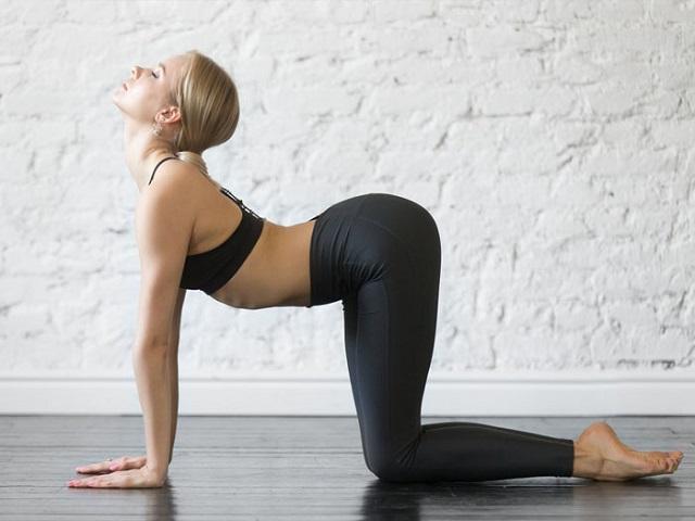 yoga chữa xương khớp