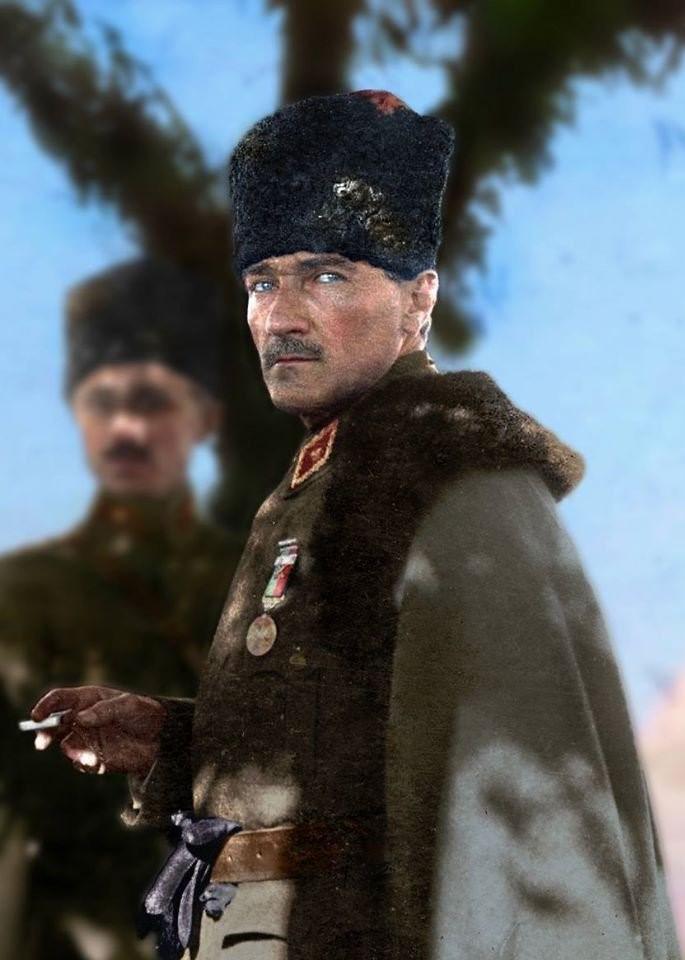 C:\Users\alialpercetin\Desktop\UNUTULAN POZANTI KONRELERİ\Atatürk-Kapak.jpg