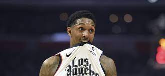 One photo shows NBA fans why Lou Williams went to strip club for wings