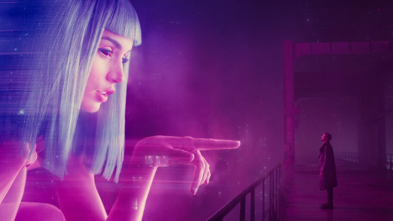 Фото: кадры из фильма «Бегущий по лезвию 2049», 2017